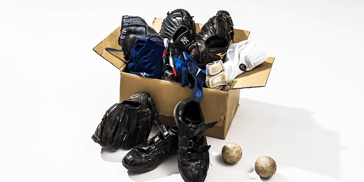 使用済み野球用品を寄付